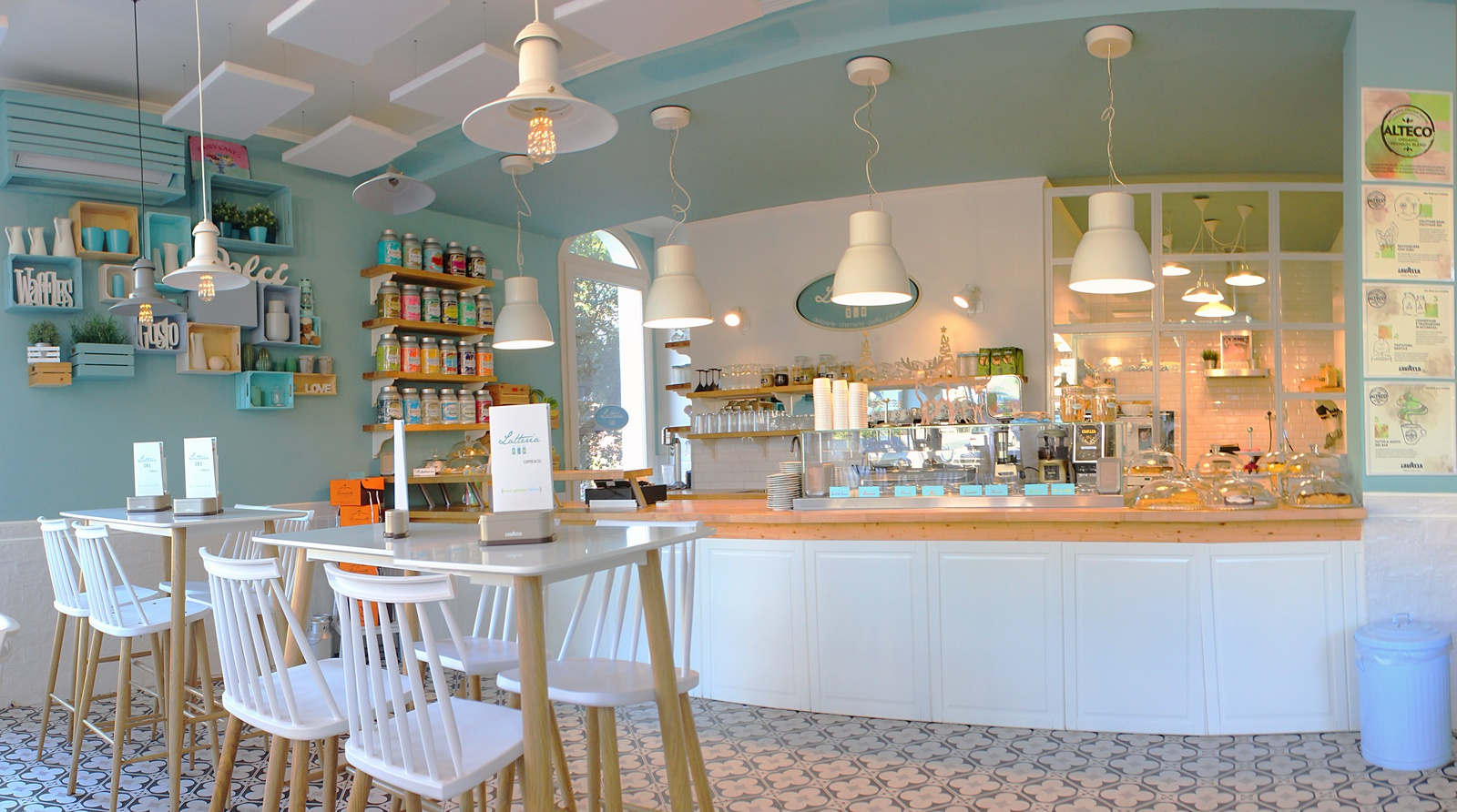 Bar Arredati Con Pallet bar latteria 2.0 borgio verezzi | un'idea di bar più sana e
